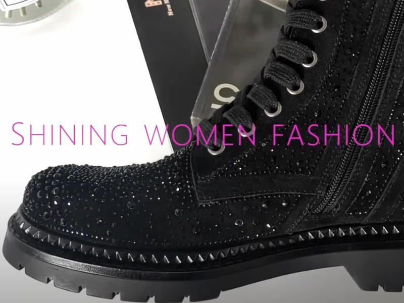 Women fashion boots