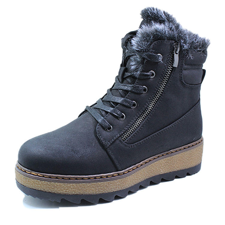Women stylish snow boots